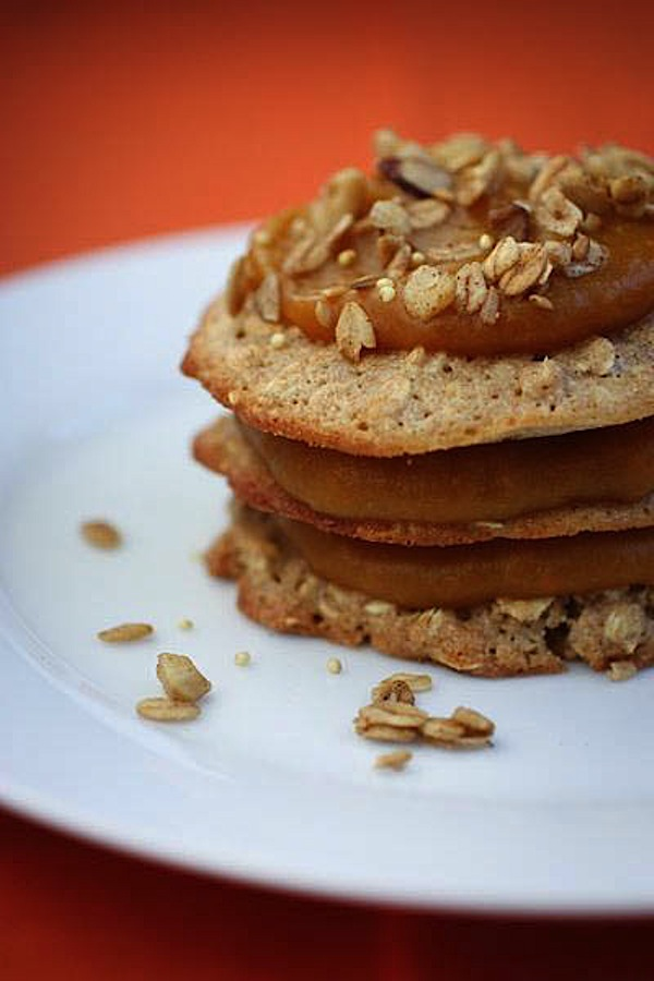 Oatcakes with Quick Pumpkin Sauce