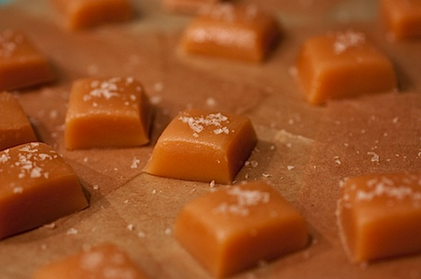 Pink Salted Chewy Caramel Candy Recipe #dessert #candy #recipe #homemade #homemadegift #holiday