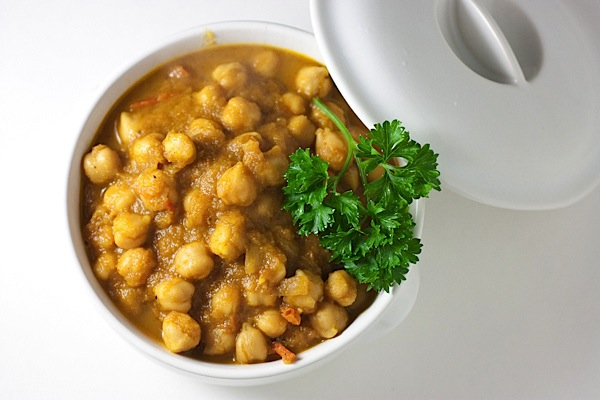 Indian food cooking win the chic life my indian friend gave me a super easy recipe and i cant wait to share it with you forumfinder Choice Image