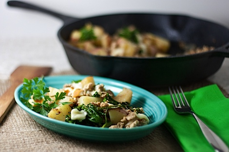 One Pot Turkey Skillet Dinner Recipe (With Potatoes and Smoked Mozzarella)