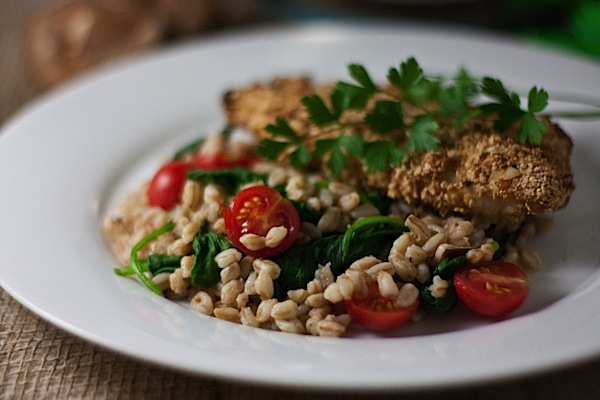 Warm Farro Salad (with Tomatoes, Spinach, and Shiitake Mushrooms)