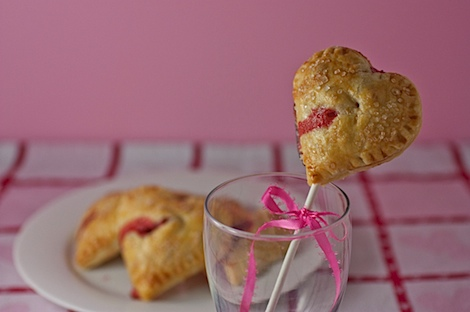 Heart-Shaped Mini Pies & Pie Pops {2 Filling Options} - So cute and delicious!