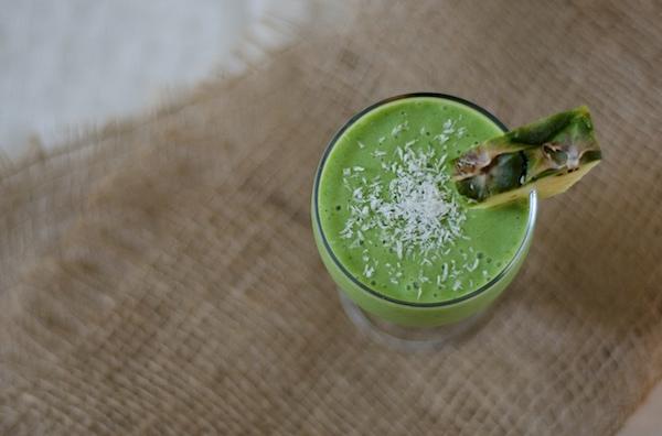 Healthy Piña Colada Green Monster Smoothie Recipe #healthy #smoothie #breakfast #greenmonster