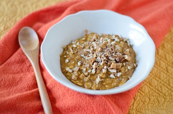 Healthy Pumpkin Pie Oatmeal Recipe - an easy oatmeal upgrade!