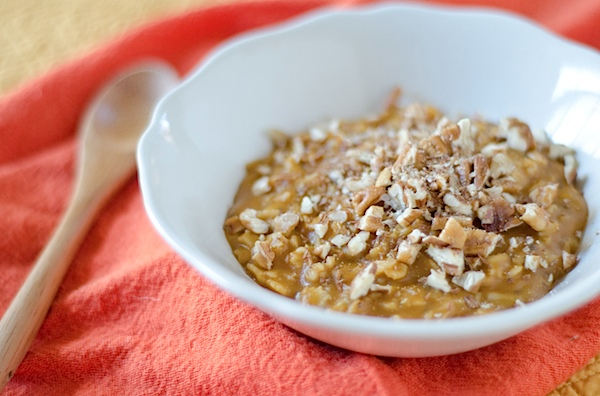 Healthy Pumpkin Pie Oatmeal Recipe - an easy oatmeal upgrade!