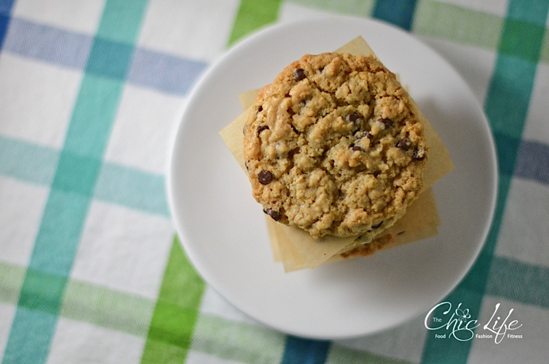 Just Right Oatmeal Chocolate Chip Cookies {Recipe}