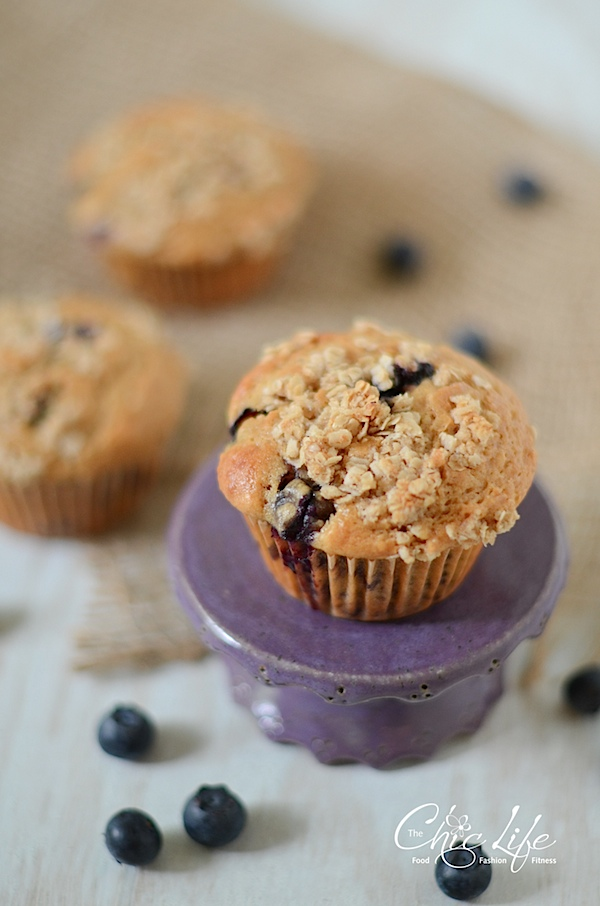 Healthier Blueberry Streusel Muffins Recipe - The Chic Life