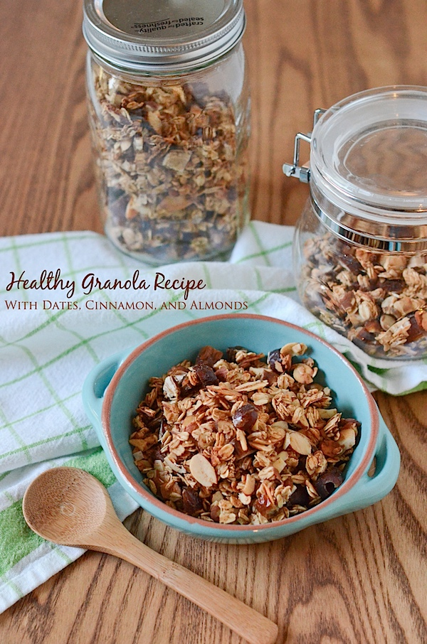 Healthy Granola Recipe: Maple Cinnamon Date Almond (Oil-Free and Only 6 Ingredients) #recipe #granola #healthy