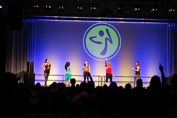 Zumba Convention 2015: Day 1 (Sessions, Zumbawear Store, Let It Move You Stage VLOG)