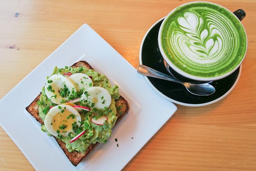 Chalait NYC: Matcha Latte and Avocado Toast