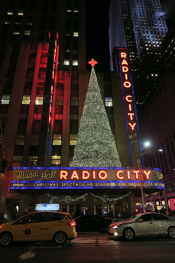 Christmas in Midtown Manhattan 2016