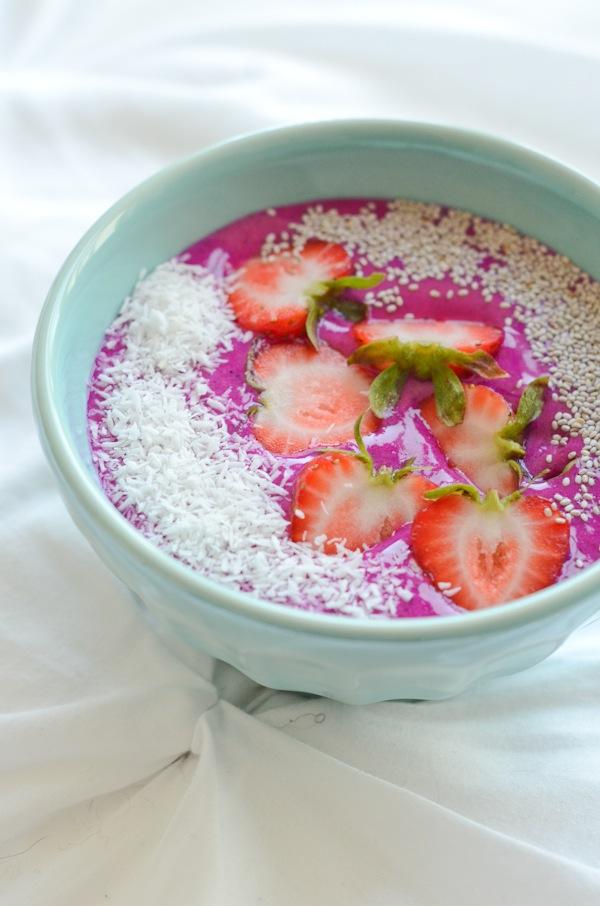 Strawberry Pitaya Bowl Recipe