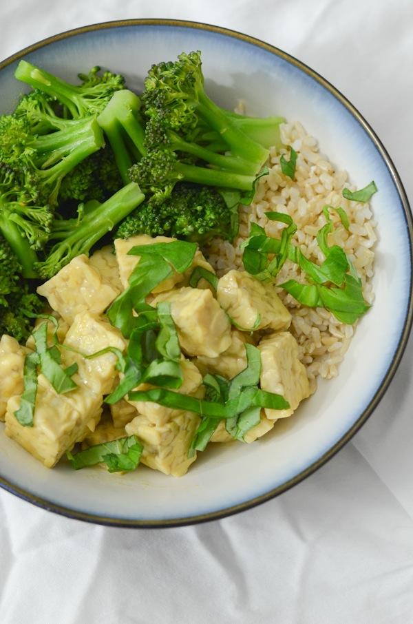 Green Curry Tempeh Bowl Recipe
