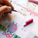 Click for a quick and easy tutorial for How to Make Text Stand Out in Your Planner. This is a super simple way you can add embellishment to text - whether you did your own script or used a sticker like me. Even if you can't draw, you can do this easy planner decoration idea. Great for beginners. #planner #planning #erincondren #plannerdecorations #plannerideas